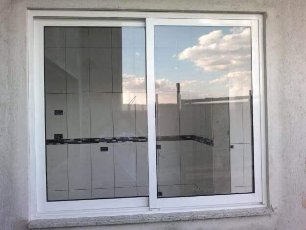Janela de Correr - Rocha Esquadrias - Esquadrias de Aluminio e Vidros Temperados em Curitiba -  Vidros Temperados em Curitiba