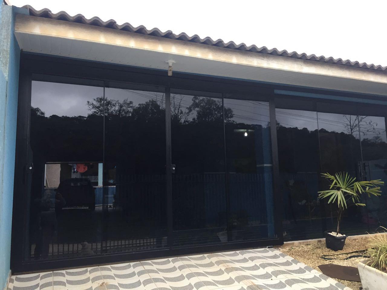 Vidro Temperado (Depois) - Rocha Esquadrias - Esquadrias de Aluminio e Vidros Temperados em Curitiba - Esquadrias de Alumínio em Curitiba