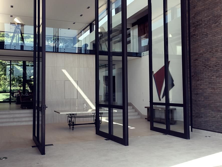 Porta Pivotante - Rocha Esquadrias - Esquadrias de Aluminio e Vidros Temperados em Curitiba -  Vidros Temperados em Curitiba